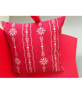 Coussin carré rouge motif guirlande