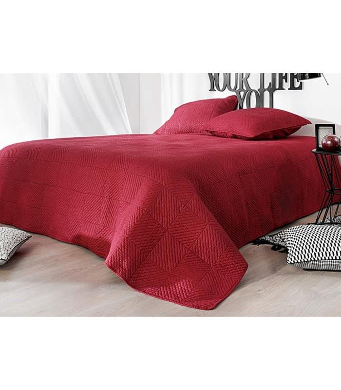 Dessus de lit matelassé rouge