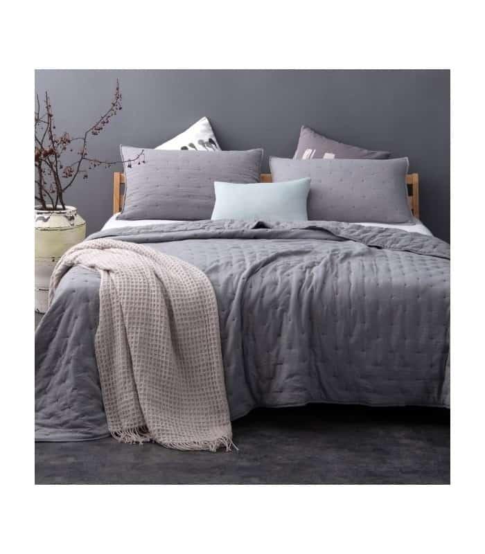 Jeté de lit gris capitonné style lin lavé