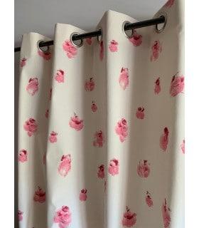 Rideau à fleurs rose