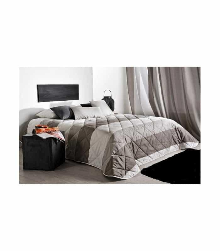 couvre lit matelassé imprimé Couvre lit matelassé avec de larges rayures en camaieu couvre lit matelassé imprimé